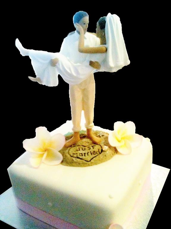 Brisbane Wedding Cake Topper Closeup