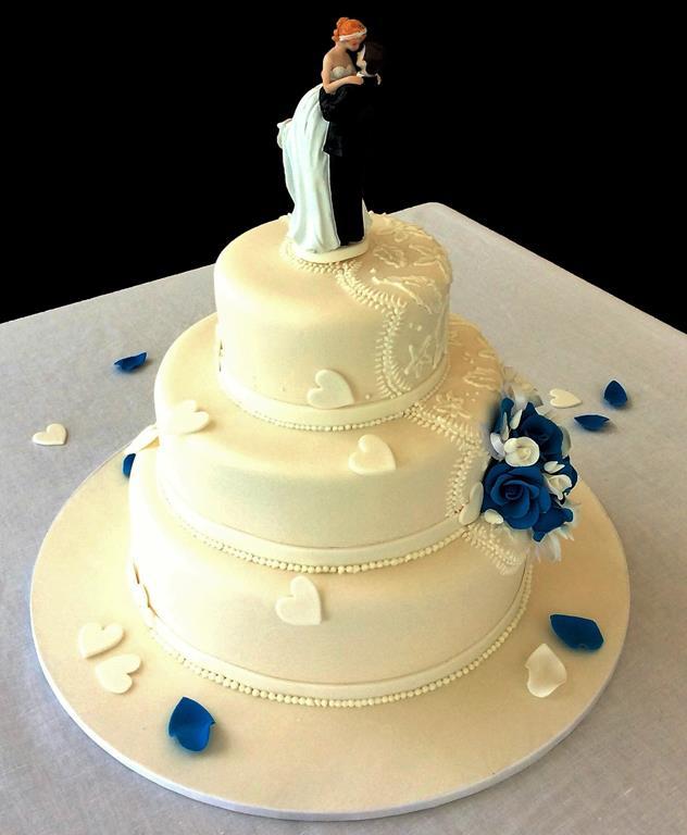 Wedding Cakes Brisbane Wedding Cake Sunshine Coast Gold: Wedding Cakes - Antonia's Cakes