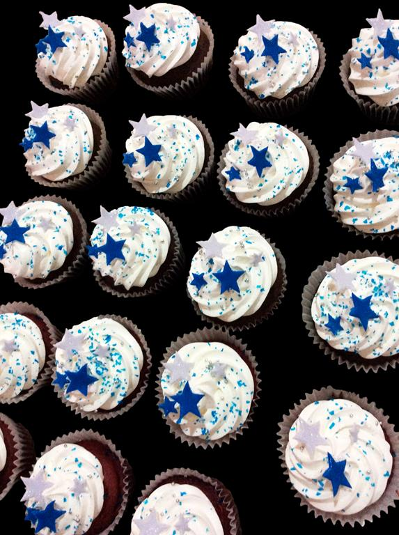 Blue and White Stars Cupcakes