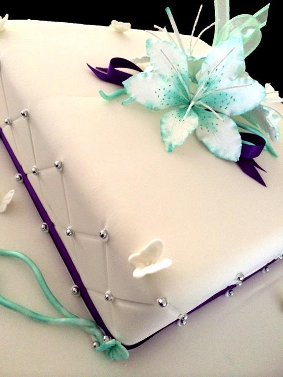 Lily Aqua Cake